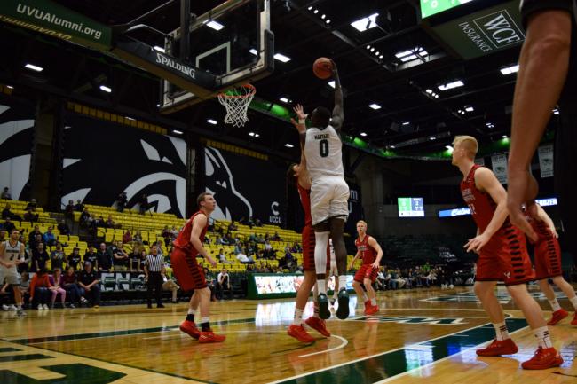 Men's basketball wins CBI opener over Eastern Washington 87-65